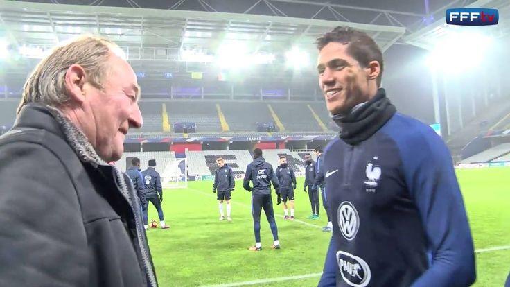 Petit clin d'œil avec les retrouvailles entre Raphaël Varane et Gervais Martel au Stade Bollaert-Delelis !  Les dernières places pour France-Côte d'Ivoire à Lens (21h00) sont ici
