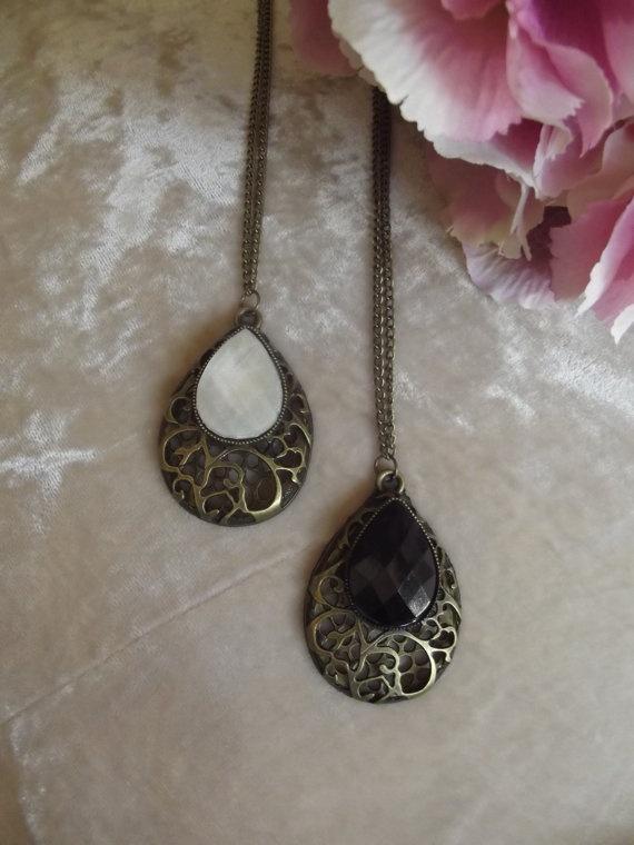 Vintage Long Gemstone Necklace - Topshop, ASOS, HandM, Urban Outfitters  £4.99  Visit Bea Boutique shop etsy.com/shop/beaboutiqueuk