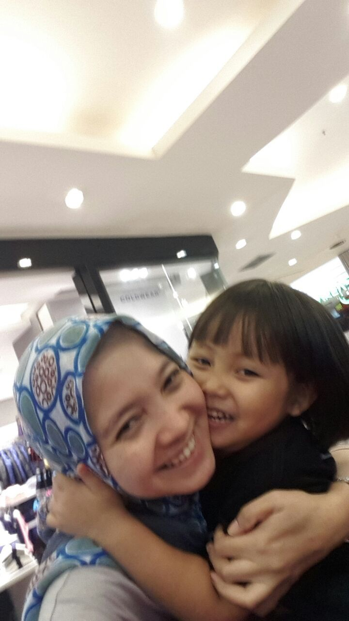 Two girls + 1 that I love them very much... Hope 4 of us will have family photo in our birthday soon... Aammiinn