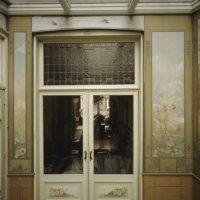 Let op de context waar de deur onderdeel van uit maakt. Foto (c) RCE, Inventarisatie Decoratieve Interieurschilderingen door RDMZ en RKD in Nederlandse woonhuizen (1600-1940)