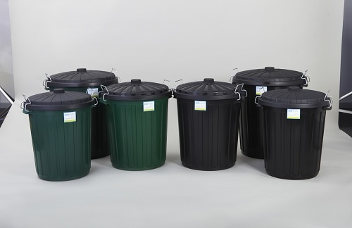 Starmaid® plastic bins are made from premium quality raw materials. Backed by a 5-year guarantee, they are built to last.  The plastic garbage bins feature easy grip handles and steel clips.