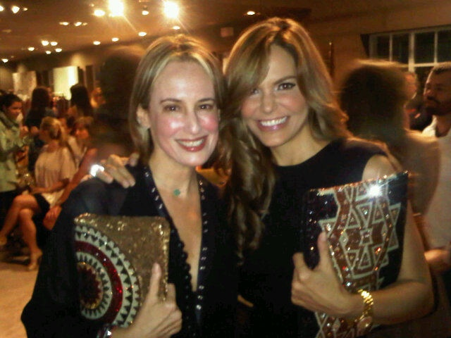Silvia Tcherassi and Maria Jose Barraza wearing wayuu clutches to the BeLive gala