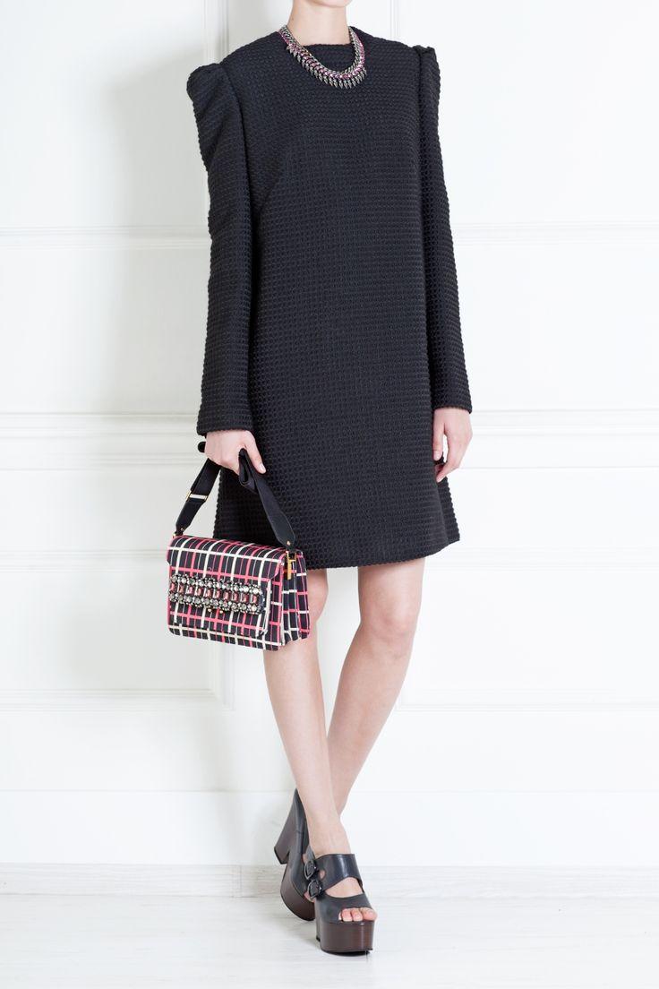 Платье из хлопка и шерсти LUBLU Kira Plastinina - Черное мини-платье прямого силуэта из осенней коллекции Lublu Kira Plastinina – цитата моды 60х в интернет-магазине модной дизайнерской и брендовой одежды