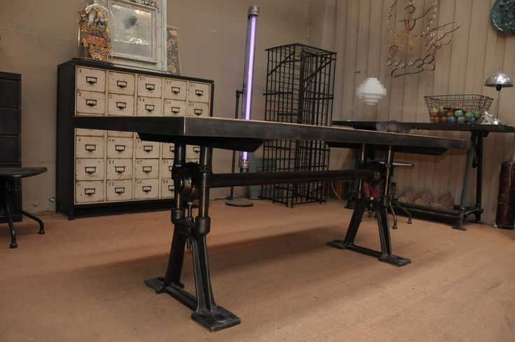 Awesome Adjustable Industrial Rectangle Dining Table Using