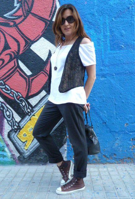 Converse  , Stradivarius en Camisetas, Bershka 2011 en Chalecos, Zara en Pantalones, Converse en Deportivas