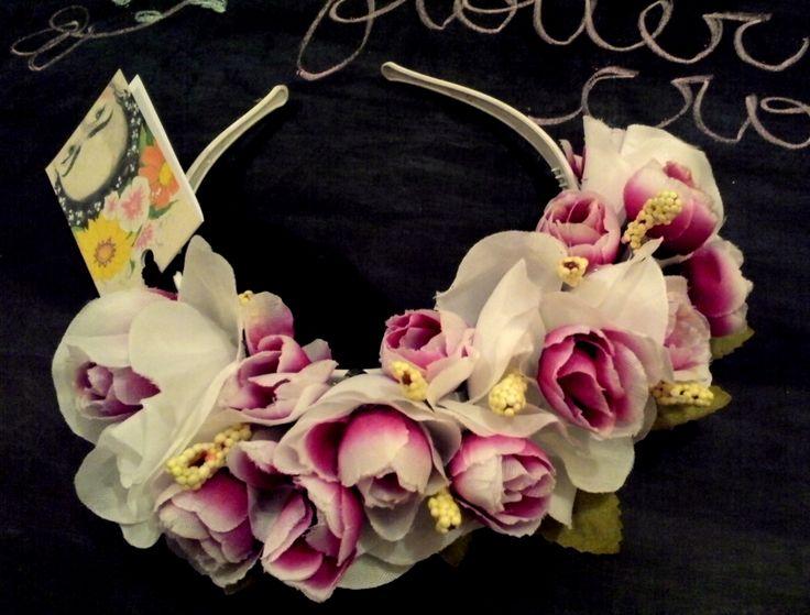 Vinchas con flores! Inspiradas en Frida Kahlo.  www,facebook.com/accesorioscoronada