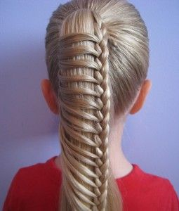 Merdiven örgü saç modeli