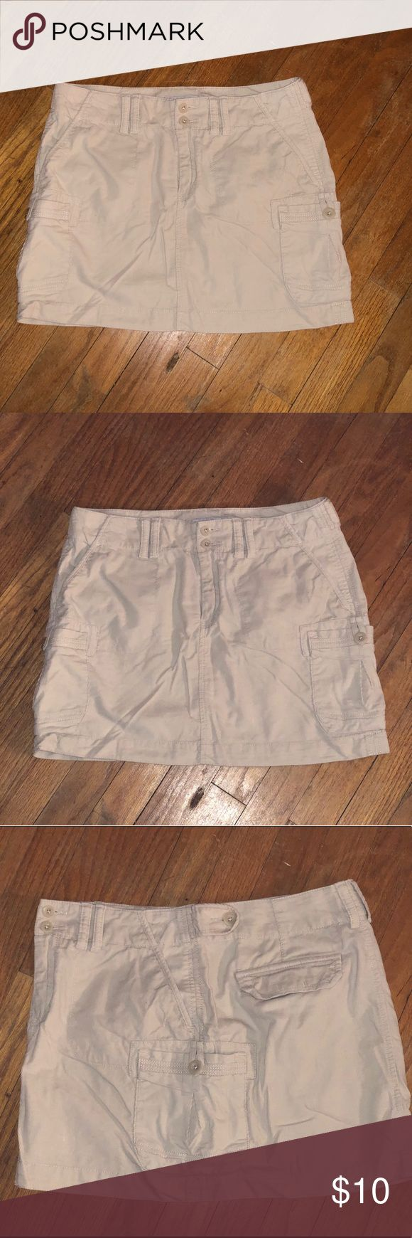 Old Navy Cargo Mini Skirts Old Navy mini skirts. 6 pockets. With loopholes for belt option. Khaki colored. Corduroy type. 100% cotton. Size 8. In excellent condition Old Navy Skirts Mini