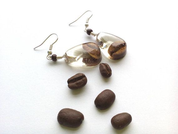 Drop shape dangle earrings with real coffee beans. Resin by byRima