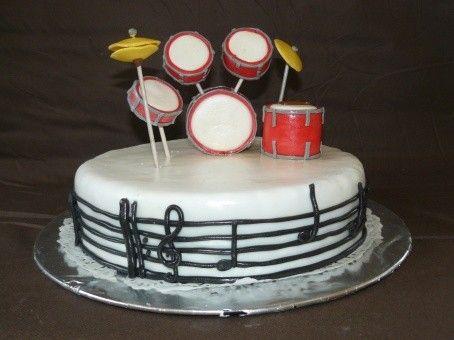 """Gâteau d'anniversaire """"La batterie"""""""