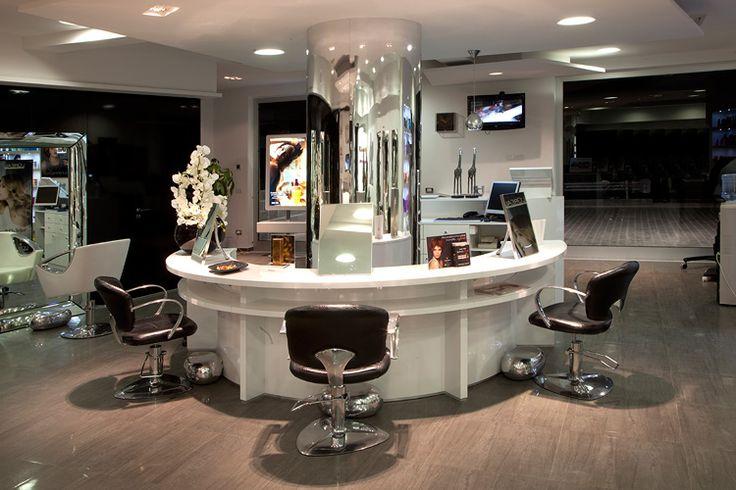 Amato Oltre 25 fantastiche idee su Ambienti saloni parrucchiere su  LC17