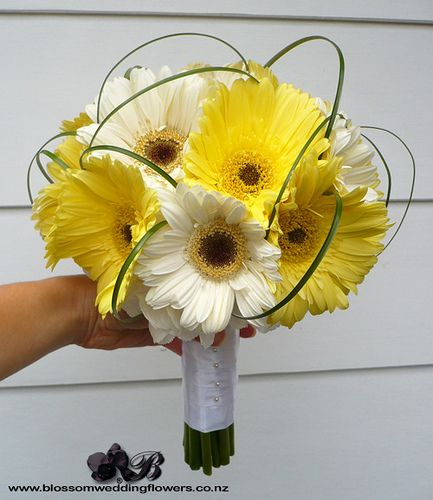 yellow and white bouquests wedding | gerbera-bridal-bouquet | Flickr - Photo Sharing!
