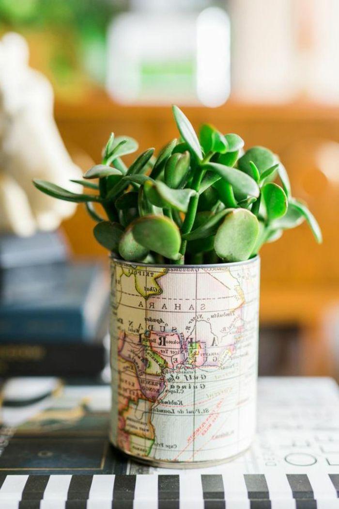 idée comment faire un diy pot de fleur à partir de boite de conserve, customisé de papier carte géographique, plantes succulentes