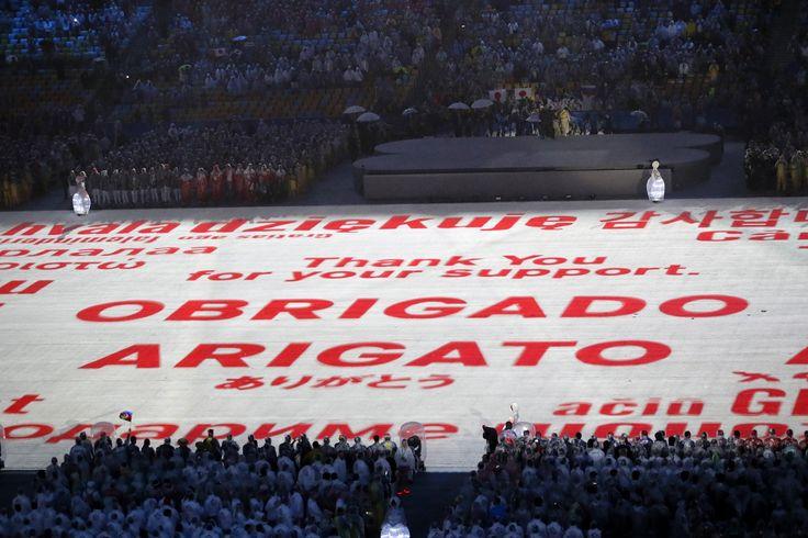 リオオリンピック閉会式で東京へオリンピックフラッグを引き継ぐハンドオーバーセレモニーと東京オリンピックのプレゼンテーションが行われました #がんばれニッポン #Rio2016 #RioToTokyo #tokyo2020