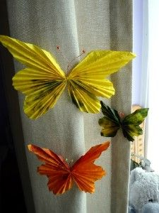 Craft ideas for Spring: Spring Butterflies Tutorial  http://www.thecraftideas.com/spring/craft-ideas-for-spring-spring-butterflies-tutorial