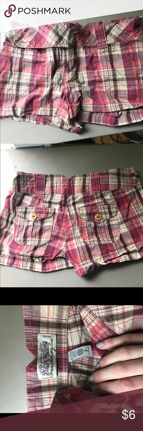 Cute pink plaid shorts American rag size 3 Cute pink plaid shorts American rag size 3 American Rag Shorts