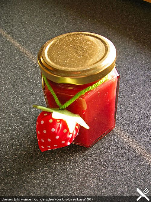 Erdbeermarmelade mit weißer Schokolade