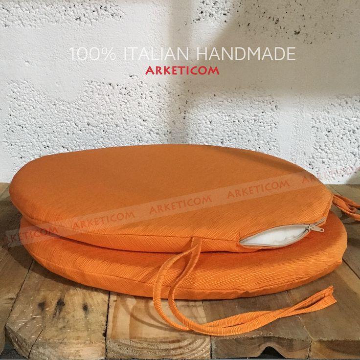 Cuscini per Sedie Tondi in Misto Cotone Poliestere Colore Arancione in vari colori e misure.