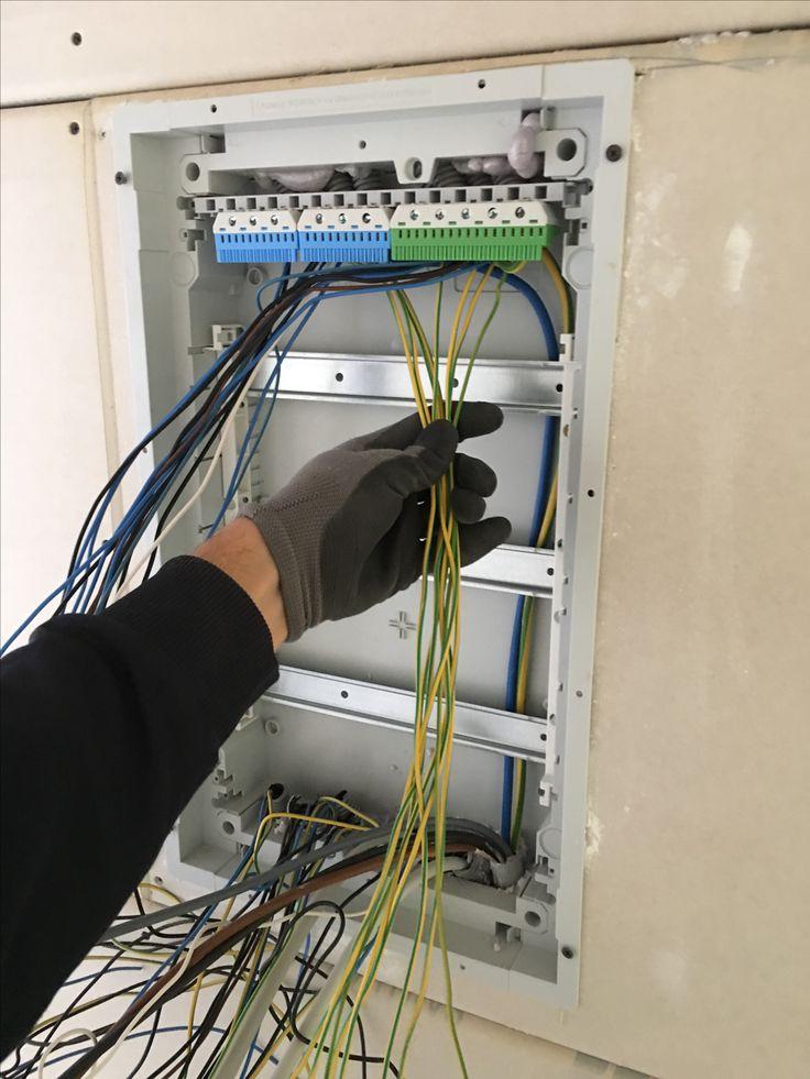 Mehr Leitungen, mehr Stromkreise, mehr Komfort – Elektroinstallation selber machen