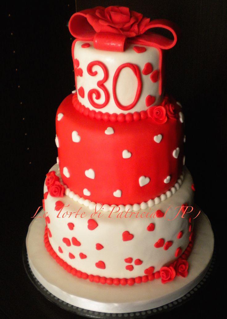 torta di compleanno per i 30 anni