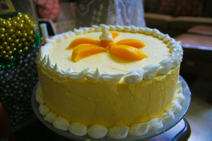 Mango Creme Cake. One of my favorite cakes to cook. Perfect for summer, especially during the season of sweet mangoes! <3