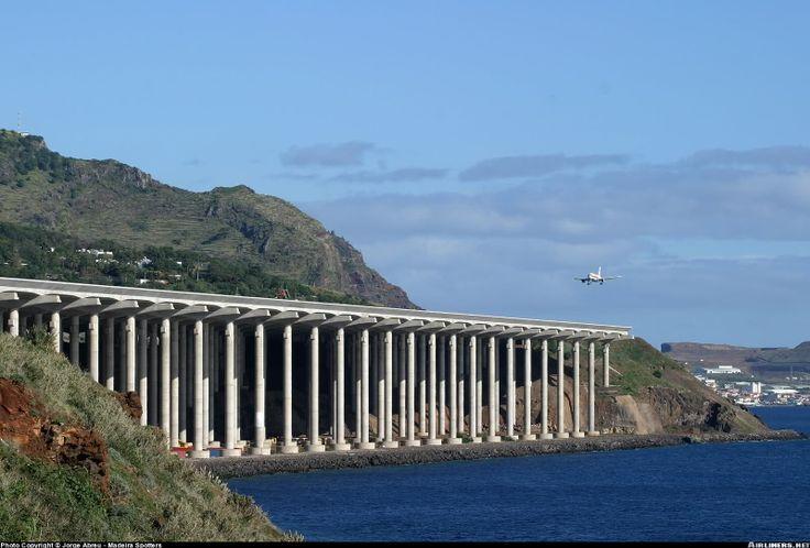 #Madeira_Airport in #Santa_Cruz - #Portugal http://directrooms.com/portugal/hotels/madeira-hotels/santa-cruz-price1.htm
