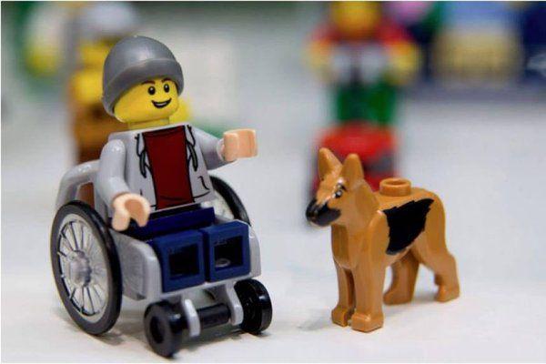 """""""#APapaNoelQuieroPedirle #ToysLikeMe Algunos solidarios,algunos inclusivos. #137 https://t.co/CT3zLeMbA6"""""""