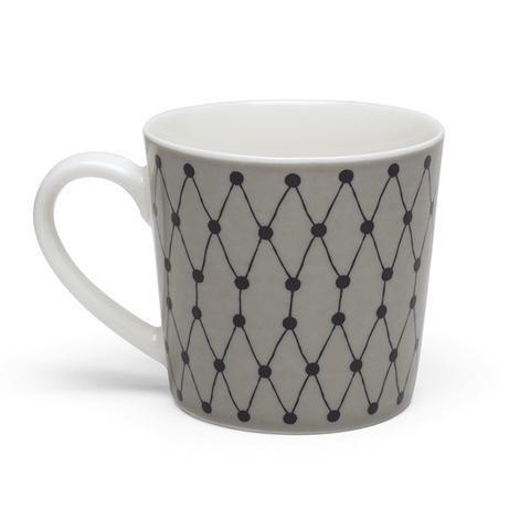 Un cortado o porque no un café con hielo ahora para el verano es lo que nos apetece. Además en una taza bonita de diseño nórdico. Acaban de llegar nuevas tazas