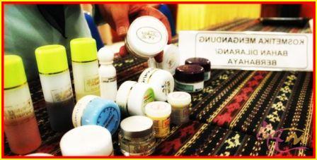 Ciri Utama Herbal Pemutih Kulit Berbahaya  Banyak dari wanita mungkin juga termasuk anda yang mempunyai keinginan untuk selalu tampil cantik dengan kulit putih. Demi mencapainya itu, mereka melakukan apapun caranya. Hal yang harus anda ingat bahwa kulit yang sehat.........  Selengkapnya >> http://arenawanita.com/ciri-utama-herbal-pemutih-kulit-berbahaya/