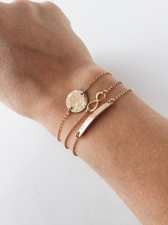 Gepersonaliseerde armbanden / stapelen armbanden door madebymaryshop