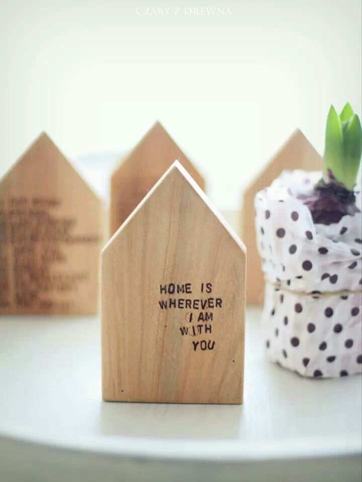 Sth small & wood