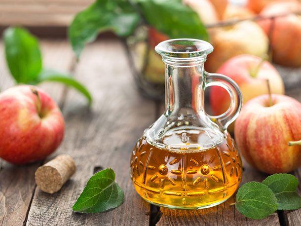Wie Apfelessig dir beim Abnehmen, gegen Heißhunger-Attacken und Blasenentzündungen helfen kann. Apfelessig -für Gesundheit und