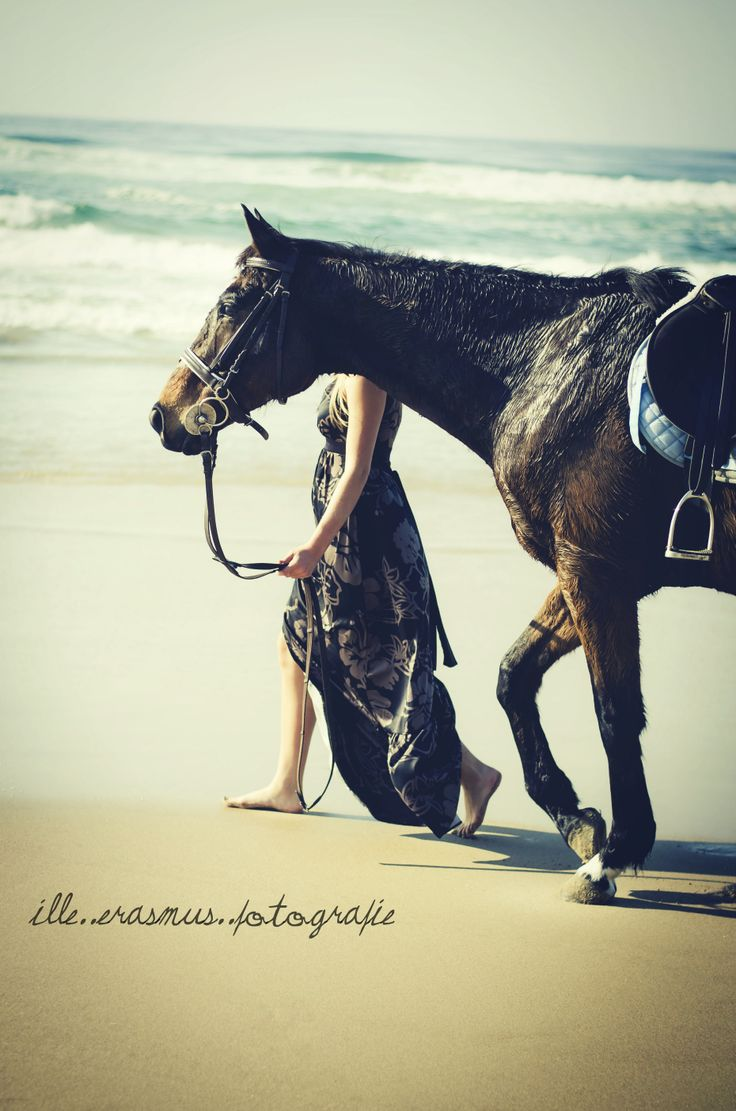 girl and her lovely horse beach shoot - illeErasmusPhotography