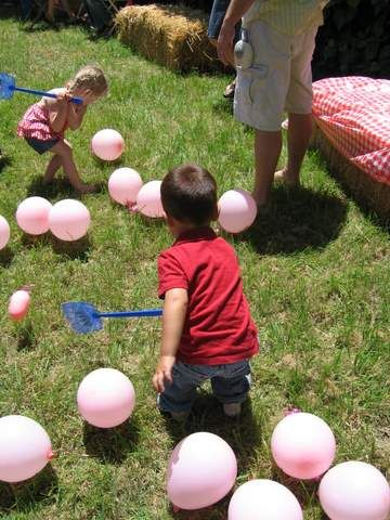 Pig corraling - this would be great for a petting zoo/animal themed party
