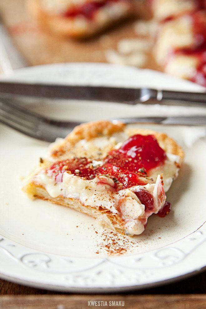 Camembert, cranberries and cinnamon tart