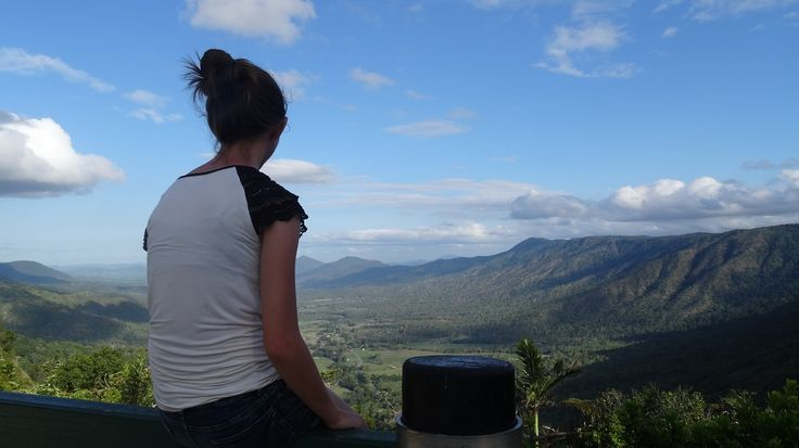 Observe breathtaking views from one of the gorgeous lookouts in Eungella! Photo taken at Goodes lookout! #Eungella #lookout