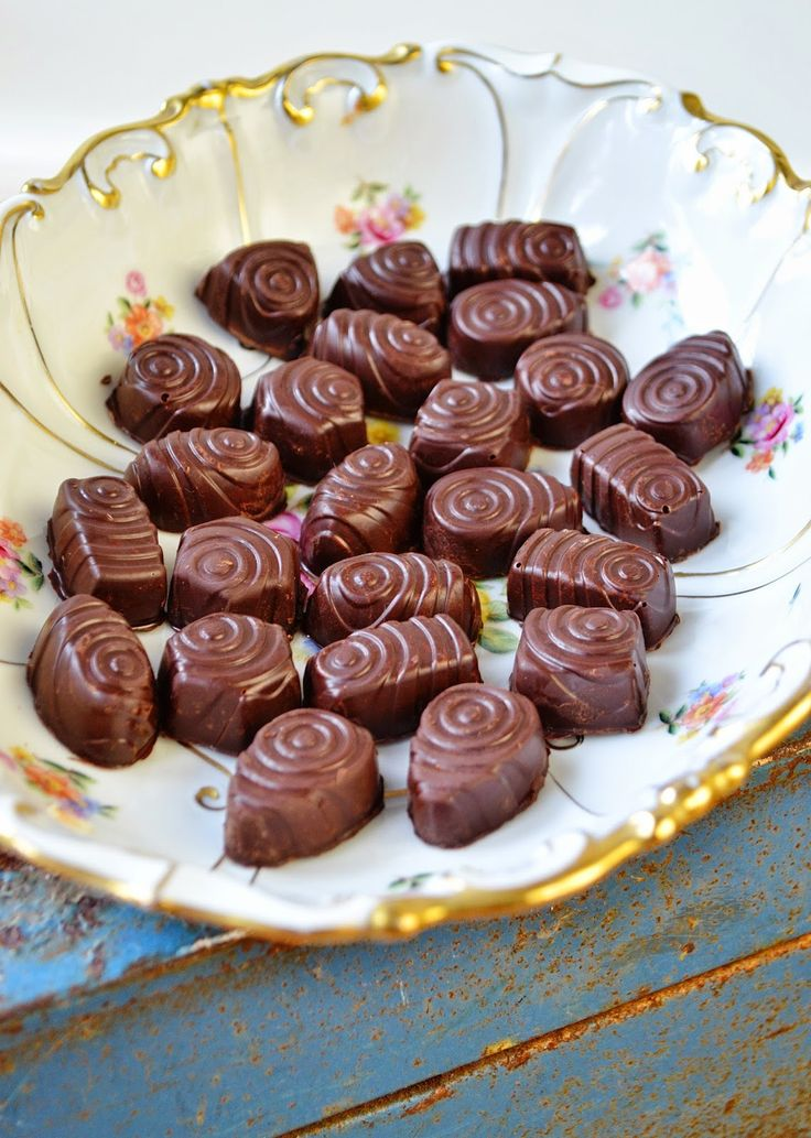 Pink Princess Bakings: Fyldte chokolader med nougat crunch