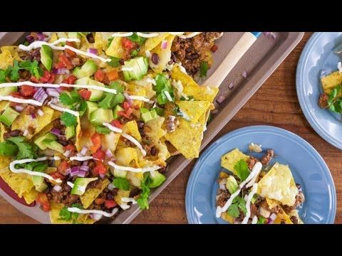 David Venable's Kitchen Sink Nachos - YouTube