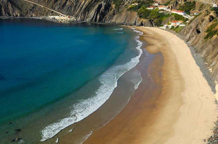 Arrifana entre as praias que são «jóias escondidas» da Europa