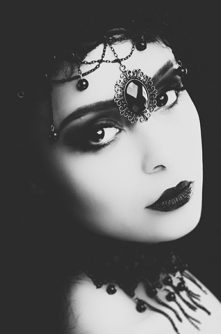 17 Best images about Dark Queen on Pinterest | Gothic, Red ...