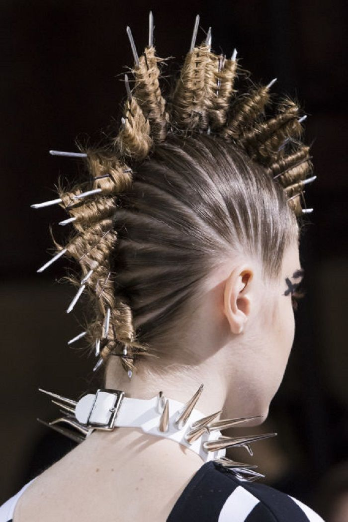 Best of Beauty From SS 2018 PWF unusual hairstyle