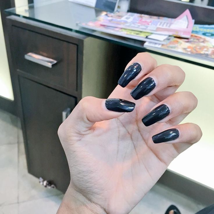 By Ttlytelala ˇˇˇ Black nails