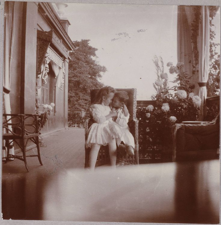 Anastasia and Alexei- the two youngest members of the family. 15 Haunting Photos Of The Romanov Family
