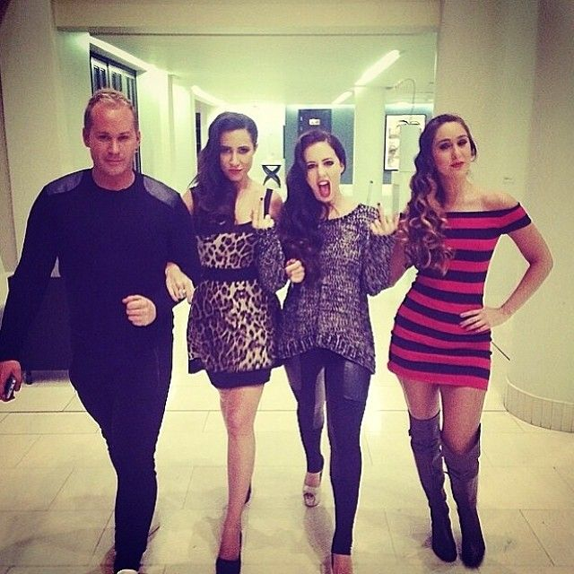 Ryan Hignett; Kim Myers; Gina Myers and Victoria De Lima getting ready for the Catwalk  Free event #Freeme #catwalkcalling