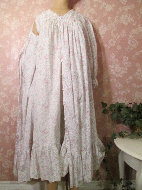 all cotton vintage nightgown peignoir robe set roses ruffles lace rar. Black Bedroom Furniture Sets. Home Design Ideas
