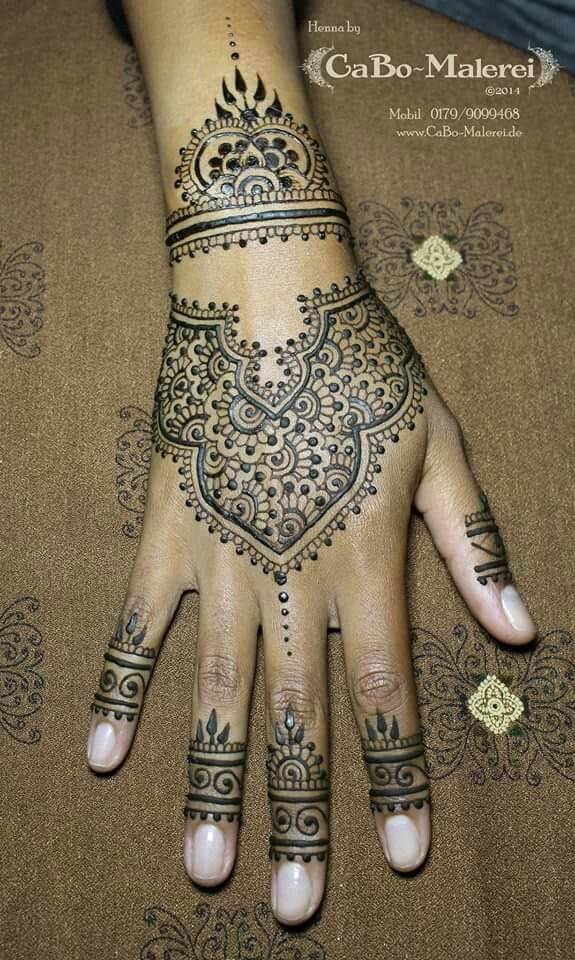 25 best ideas about henna tattoo berlin on pinterest tattoo berlin henna tattoos and mehendi. Black Bedroom Furniture Sets. Home Design Ideas