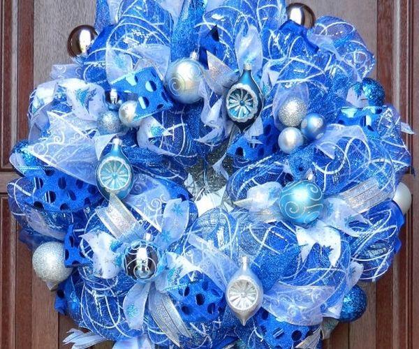 25+ Unique Christmas Mesh Wreaths Ideas On Pinterest