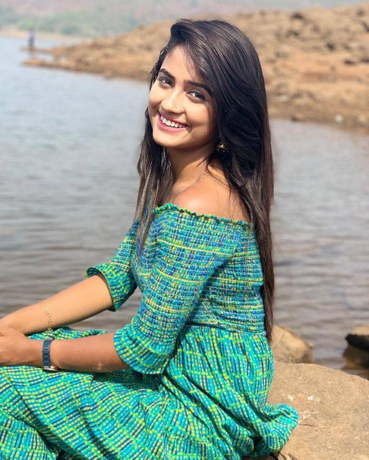 Nisha Agarwal Hot and Spicy Stills | Mallu Actress Photo