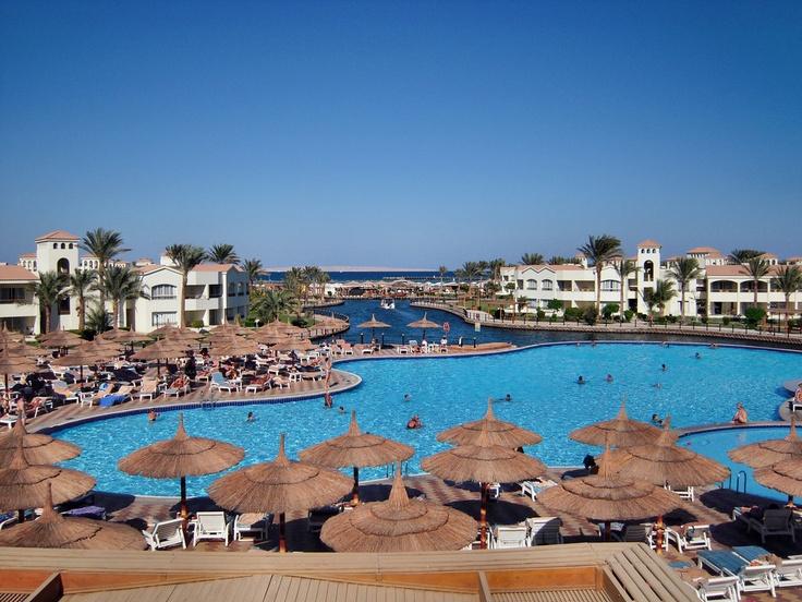 Hotel Dana Beach Resort  #Hurghada #Egypte #HolidayCheck  http://www.holidaycheck.nl/hotel-reisinformatie_Hotel+Dana+Beach+Resort-hid_70434.html