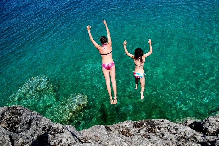 Jump! Photo by Robert Lacasse, Tobermory, ON.